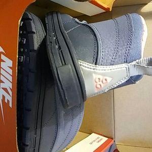 Nike Shoes - Nike woodside 2 high (td) girls